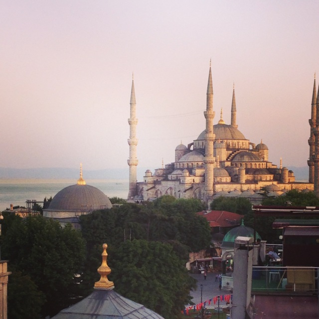 kelly istanbul