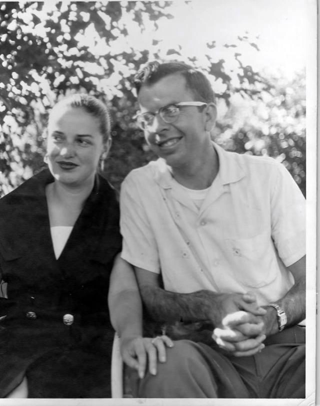 mom and dad at grandma kelloggs