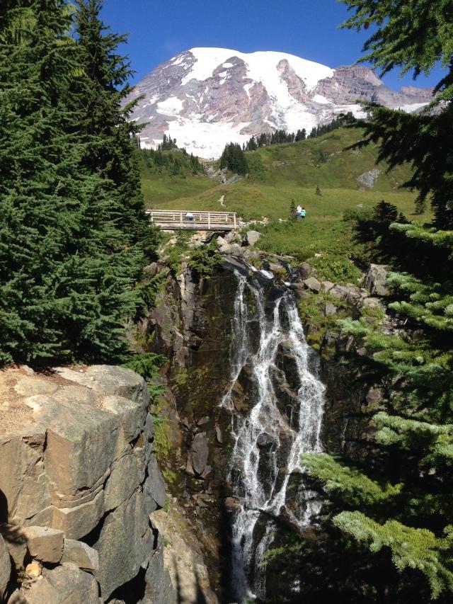 Nan waterfall and mountain u