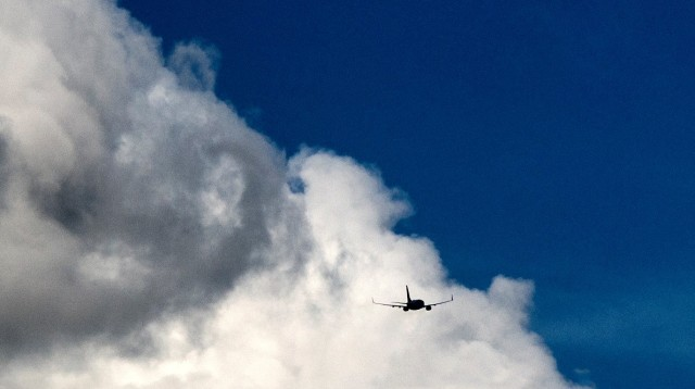 avant-clouds-with-plane