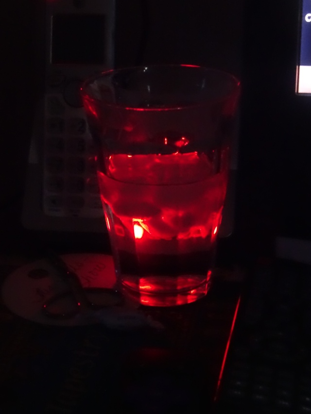 Sandy red water glass